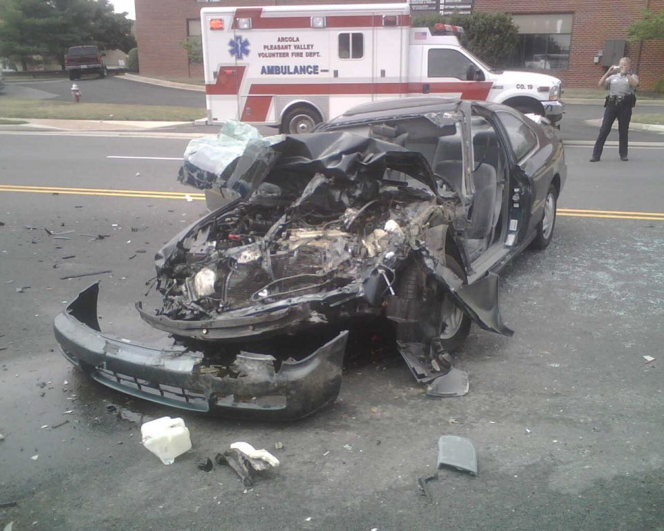 Auto Crash - Willard and Brookfield - July 28 2007 (1)