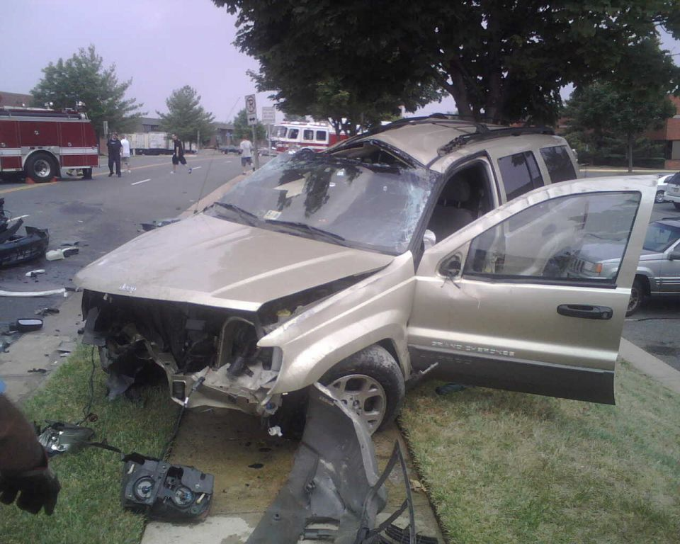 Auto Crash - Willard and Brookfield - July 28 2007 (2)