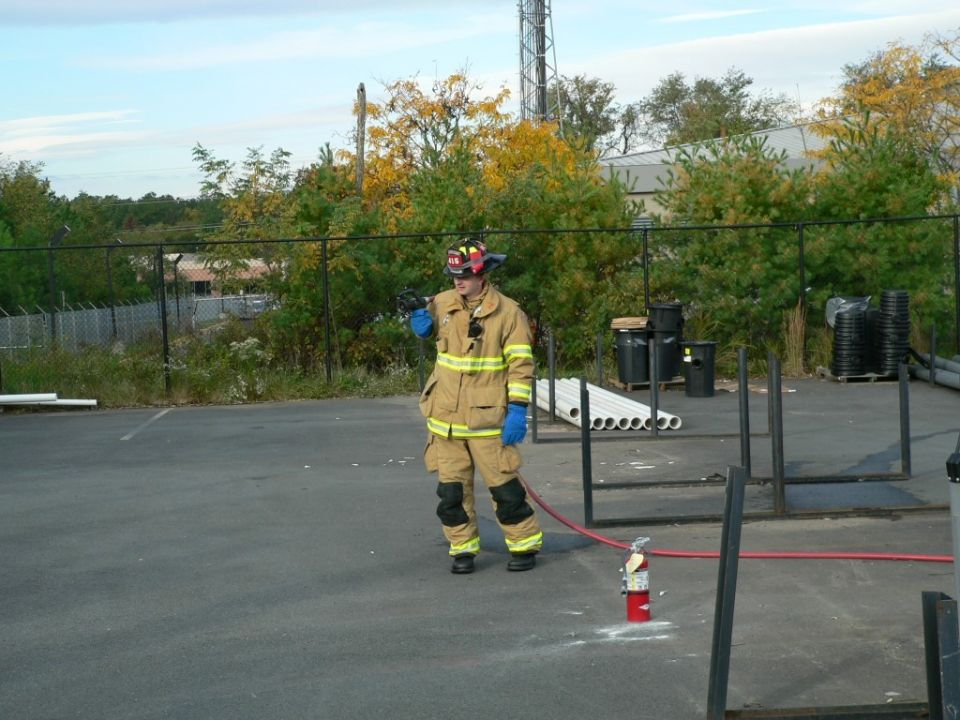 415 - Citizen Fire Extinguisher Class - Oct 24 2006 (41)